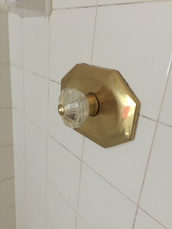 Pfister Avante, Help with identifying brand of this shower faucet ...