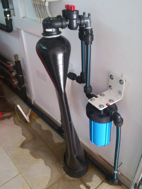 Vacuum Breaker For Softener Filter On Input Or Output
