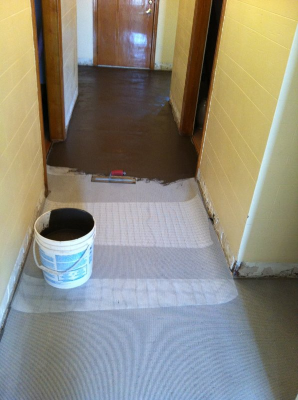 Floor prepping -- covered with reinforcement mesh 1.jpg