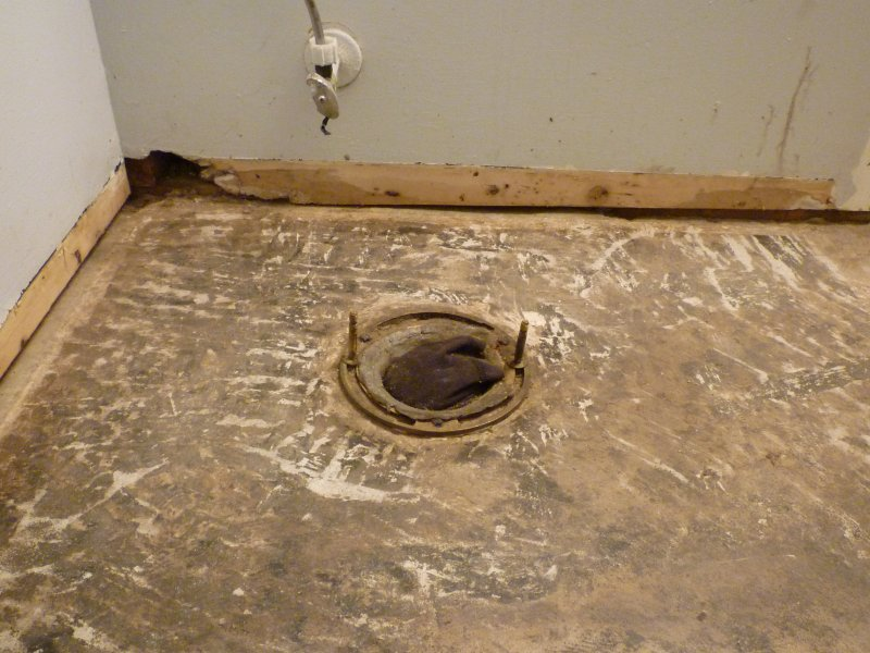 DIYer questions - Flange and concrete sub floor not level