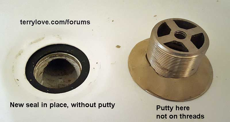 No Putty On The Rubber Seal, Some Putty Under The Flange. Not That The  Putty Does Anything Though.