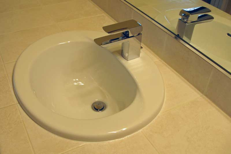 The TOTO TL960SLD Lav Faucet On A 20X17 Toto Lav